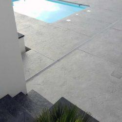 plage piscine beton empreinte sans margelles