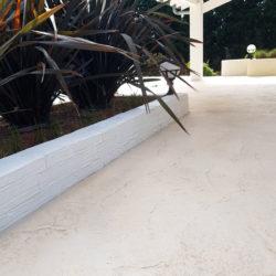 Terrasse et muret en béton imprimé